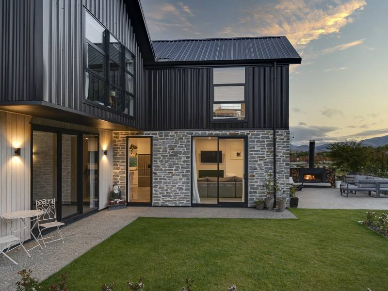 Arrowtown 7房 Arrowtown Home and Income Opportunity