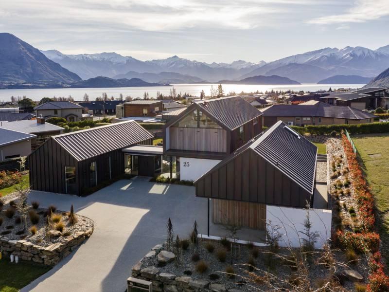 Wanaka 5房 Architectural lake views