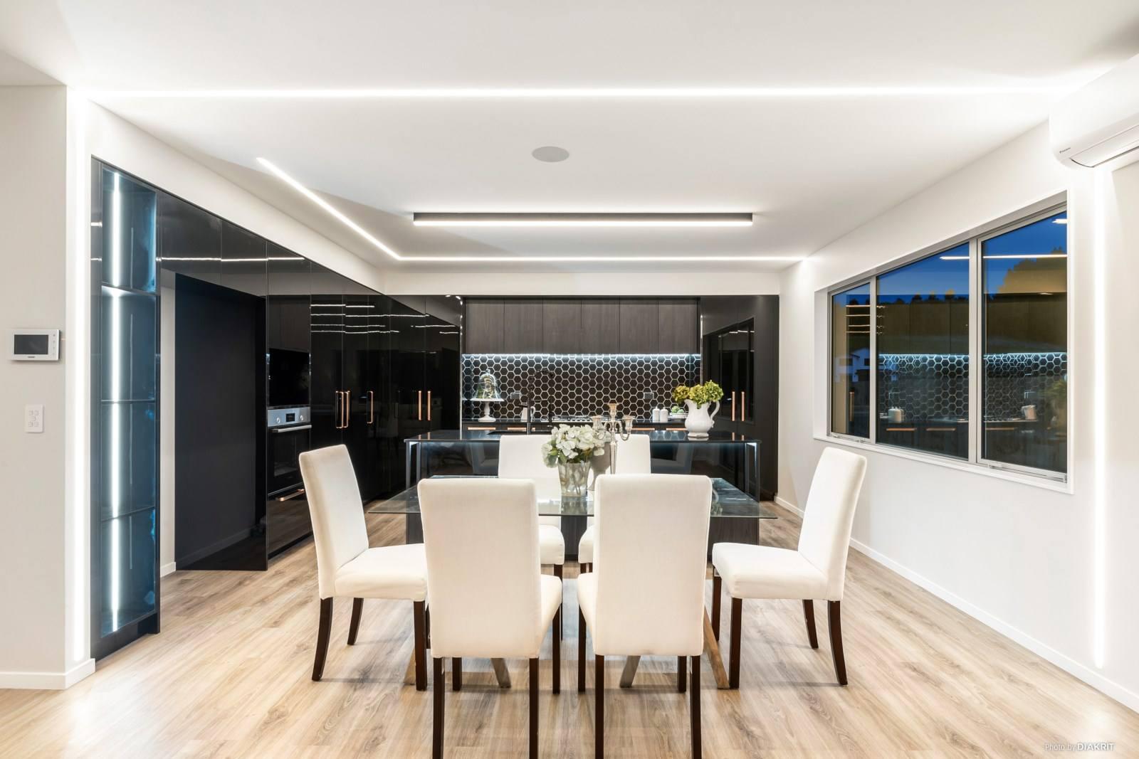 Orewa 5房 全新智能精装美墅 打破空间局限 周边绿意环绕 10年质保在手 即刻享受美好生活! Stunning Brand New Home
