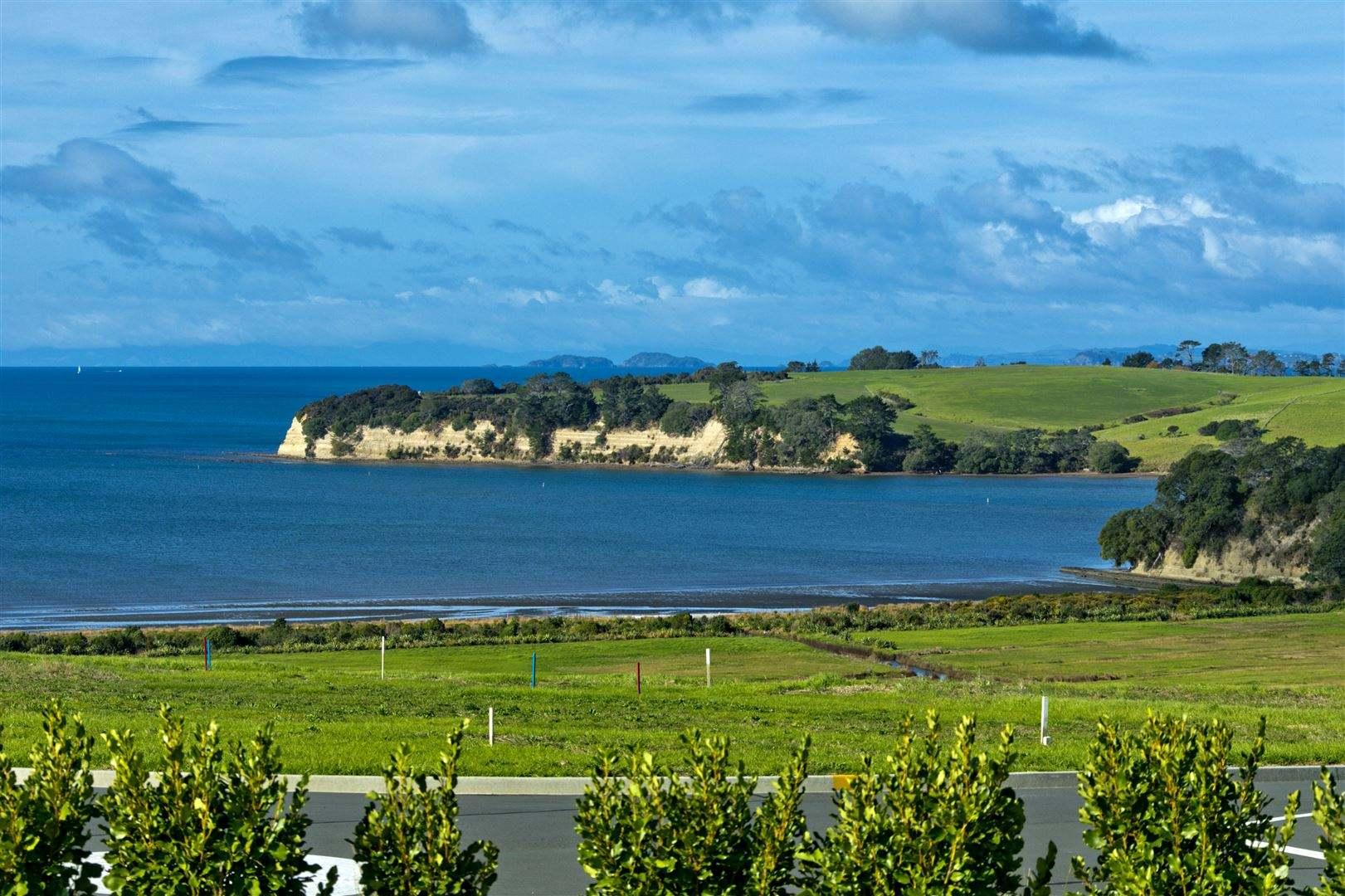 Redvale 4房 顶级海滨地标宅邸 美学与品质的结合 远眺海岛风光 乐享休闲生活 蓝筹股置业良机! Lifestyle Sensation in a Top Coastal Location