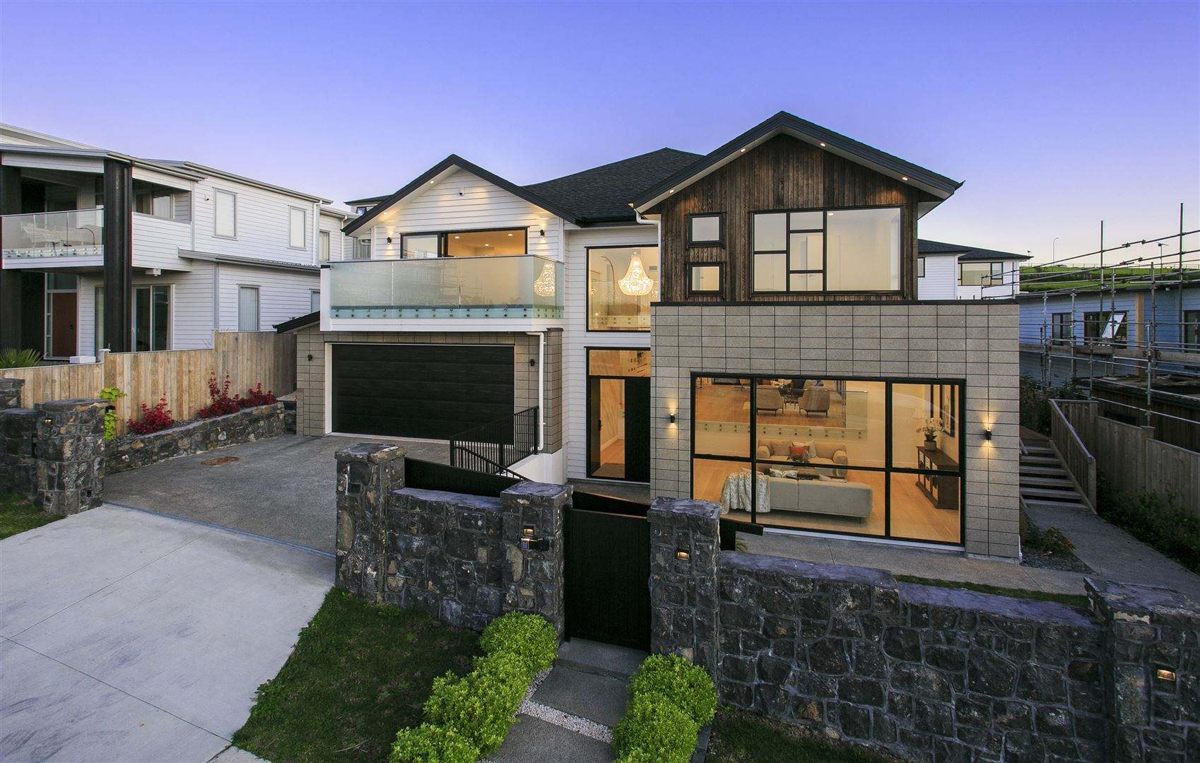 Oteha 6房 全新豪宅 设计完美 配置齐全 地段优越 安家置业的不二之选! Exquisite Luxury 6 bed house - Best location