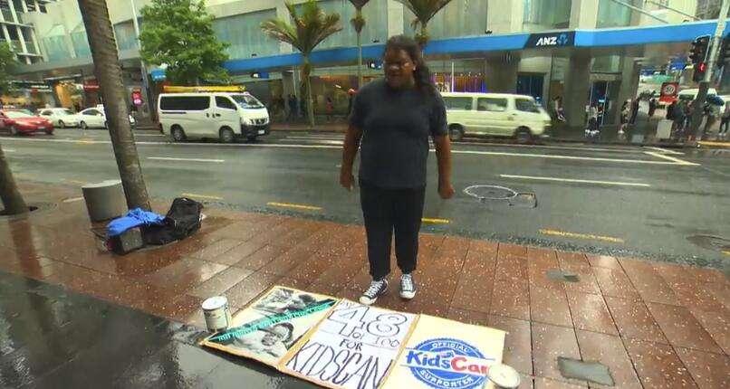 这位常在昆街出没的彪形大汉,做了一件感动全新西兰的事