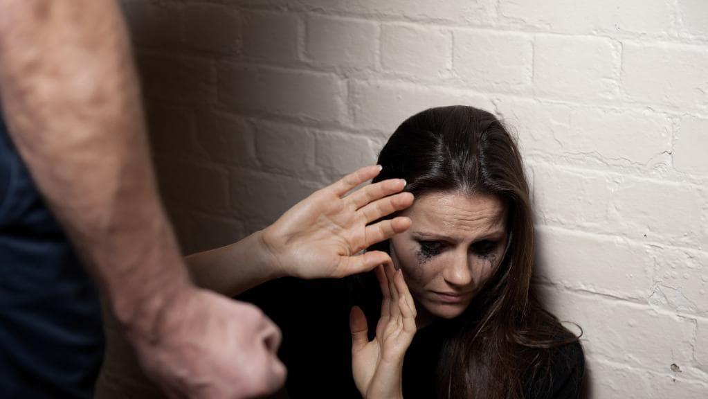 法案通过!新西兰家暴受害者可享10天带薪休假!