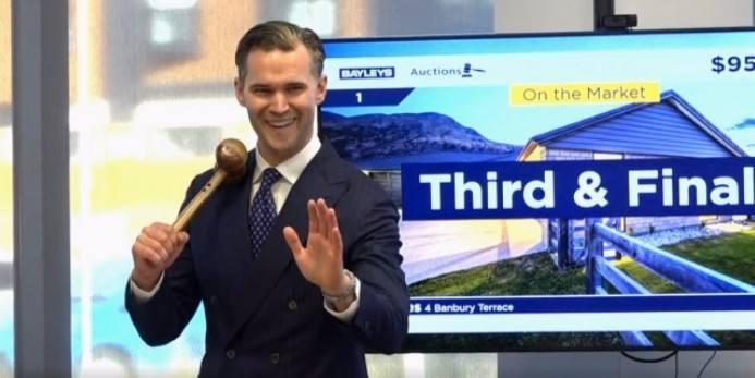 100人现身拍卖场!新西兰这一地区迎来复苏信号,中介:有大量奥克兰买家!