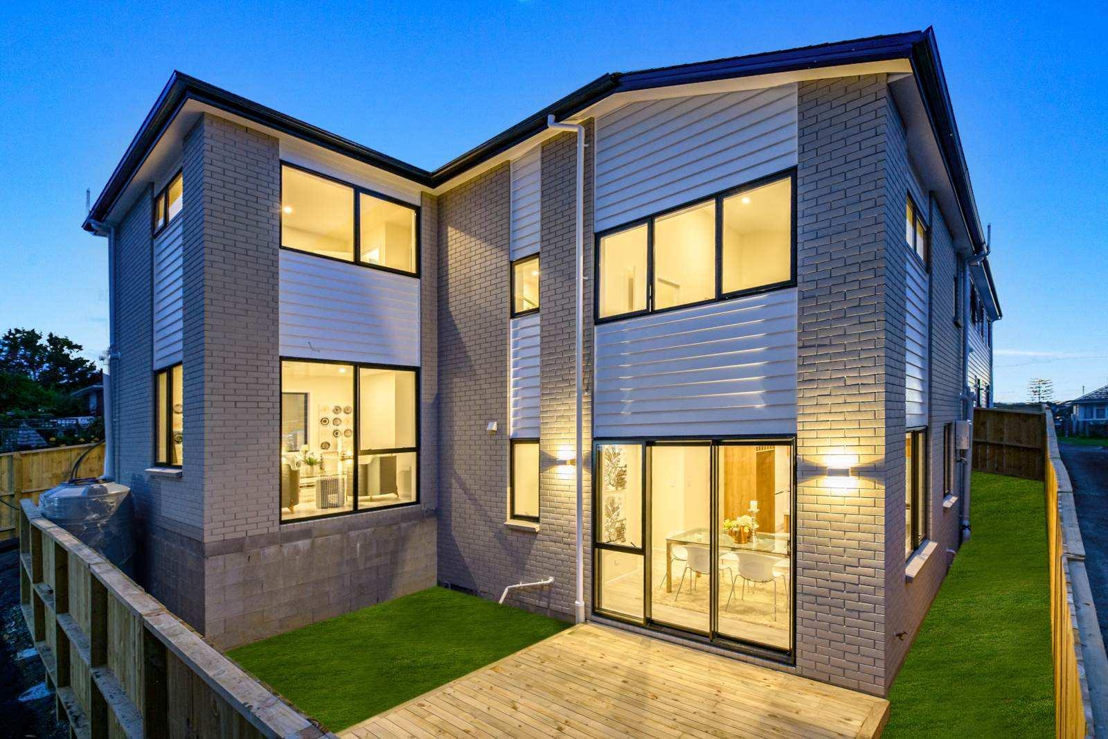 Mount Roskill 4房 全新时尚奢墅 超高性价比 10年建筑质保 商圈&交通兼备 吸引万千瞩目! Affordable, Brand New, Stylish & Luxurious!