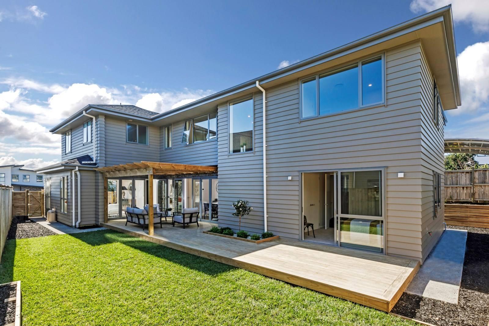 Long Bay 5房 现代化迷人新居 风格时尚 采光一流 近海滩&繁华中心 成长型家庭优选! Gorgeous Outdoor Living - Modern Brand New Home