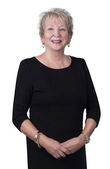Donna Everton