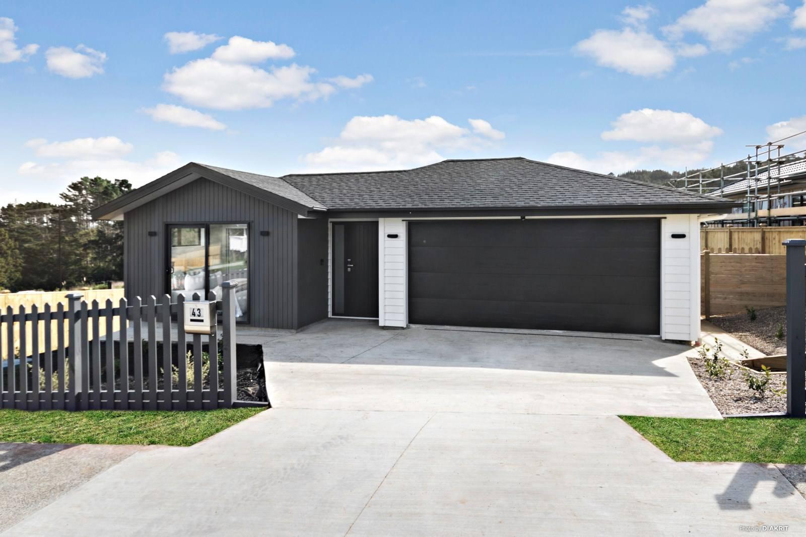 Kumeu 4房 全新品质美墅 10年质保加持 设计独特吸睛 好校云集 轻松前往CBD! Brand New & Solid Home
