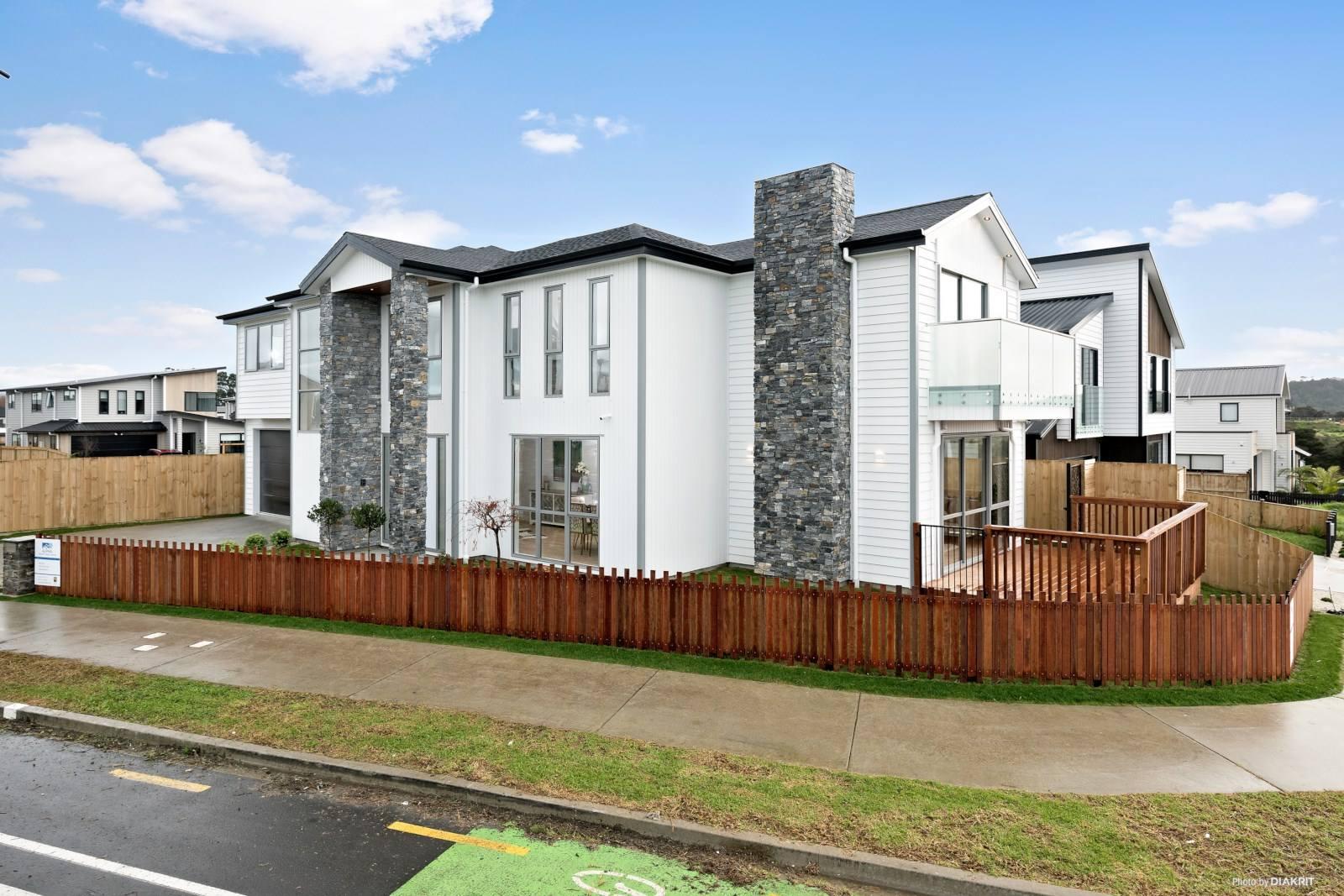 Hobsonville 5房 全新品质奢居 布局宽敞 注重细节 10年质保+10分校网 交通无比便捷 百闻不如一见! Luxurious, Spacious, Brand New Home