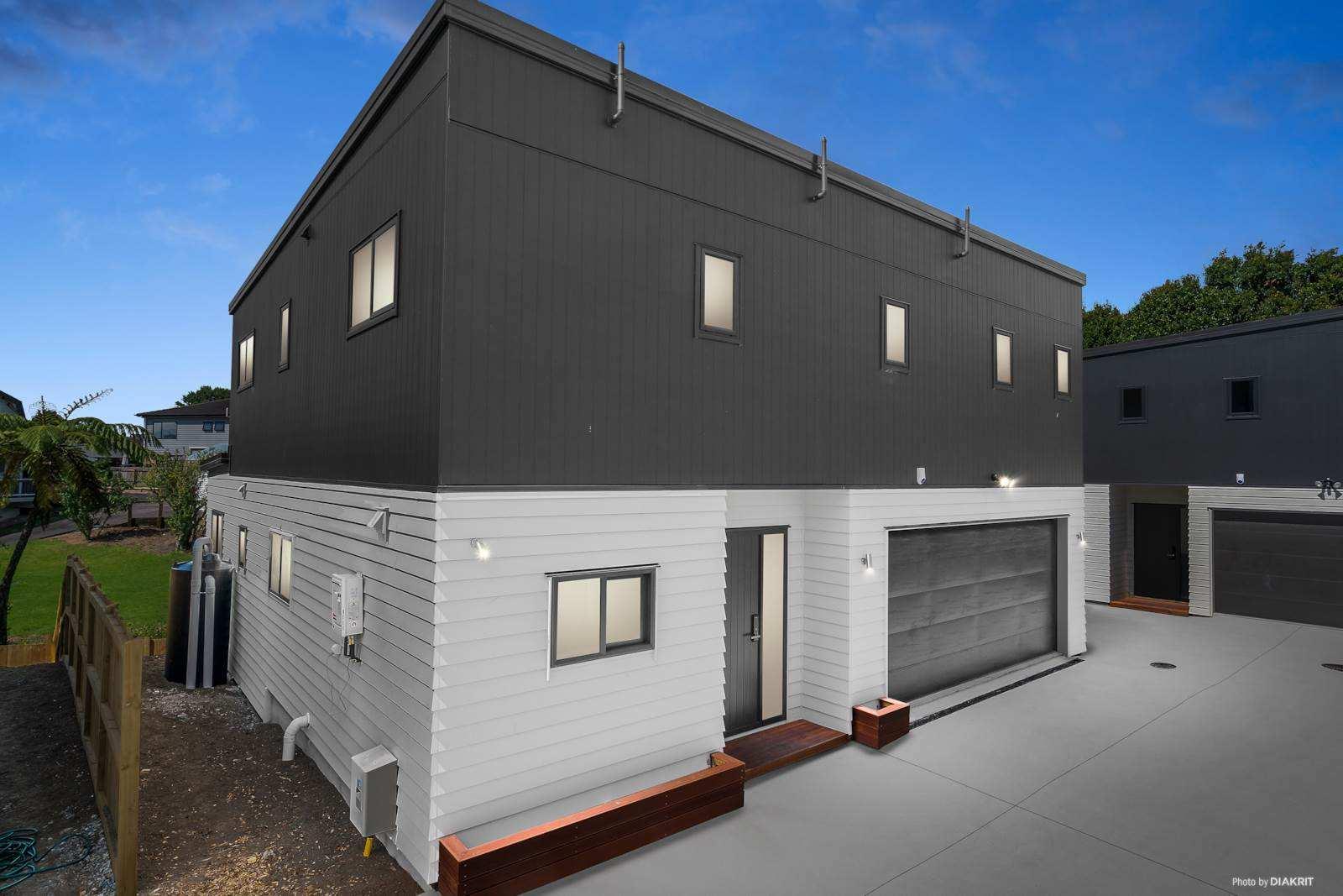 Te Atatu South 5房 四套全新美宅 外墙坚固 车位充足 四季温馨宜居 给您一个浪漫的家! 4 BRAND NEW HOMES ! FREEHOLD