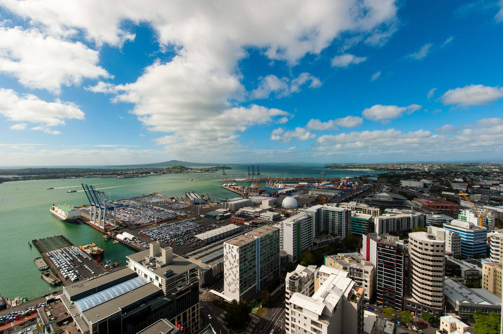 Auckland Central 2房 The Pacifica极奢美寓新定义 咫尺水景 城市尽在您脚下! URGENT SALE - LIFE FRAMED BY BEAUTY - THE PACIFICA
