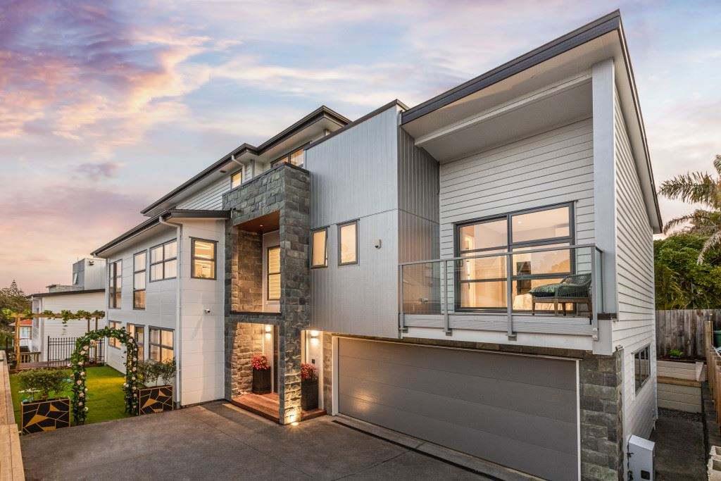 Devonport 5房 现代宽居 简约大气 地理位置优越 设计精湛 布局灵动 众多休闲选项 周边好校云集 您可随时入住享受! Substantial Modern Residence