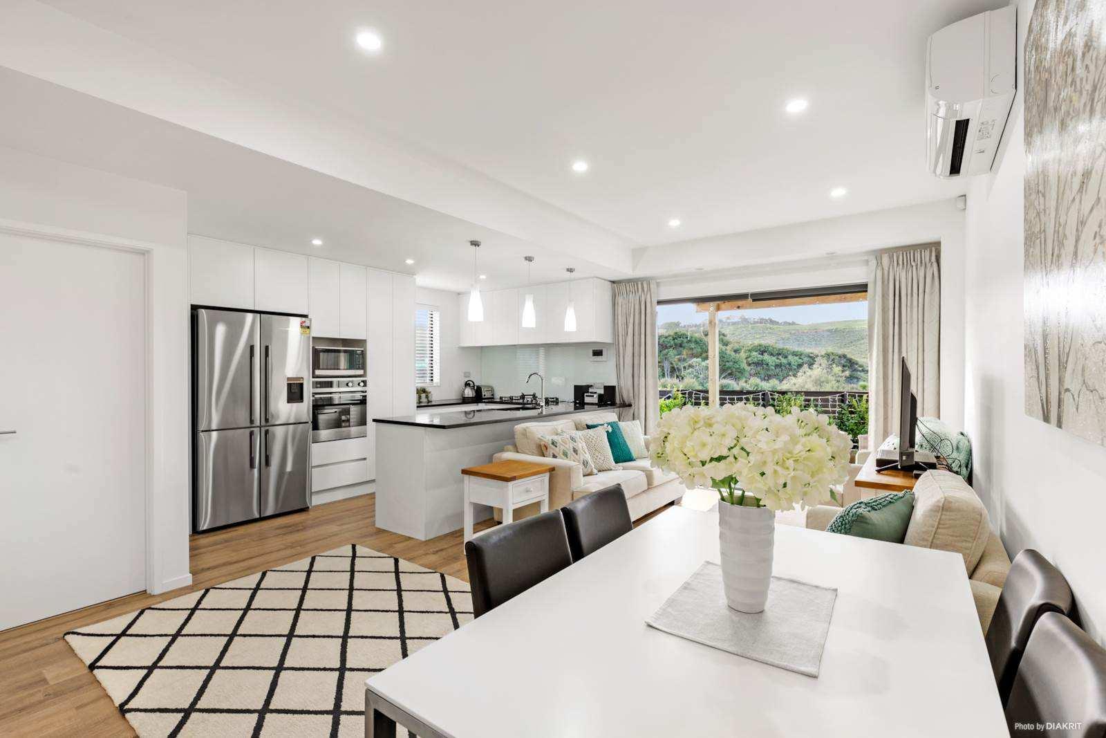Long Bay 2房 黄金拐角精致城市屋 维护成本低 带精致花园&阳光庭院 优质学校荟萃 适合多种类型买家 Simplify Your Life