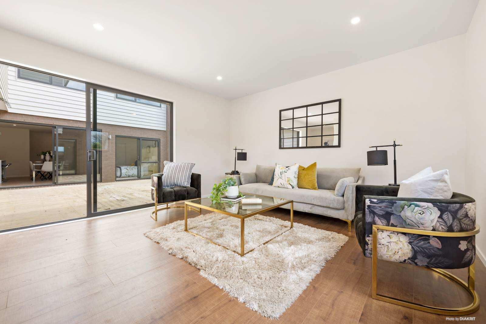 Flat Bush 5房 全新性价比美居 黄金拐角位置 舒阔灵动布局 10年建筑质保 拥抱现代奢华生活! Prime Corner House, Brand-New, Affordable