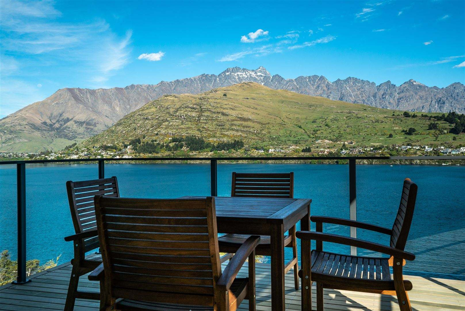 Queenstown 3房 Life is Easy at Lakeshore