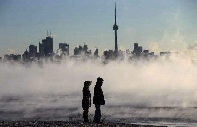 """比北极还冷!加拿大-50℃极寒惊现奇景!多伦多刚刚收到""""极寒+15cm暴雪""""警告!"""