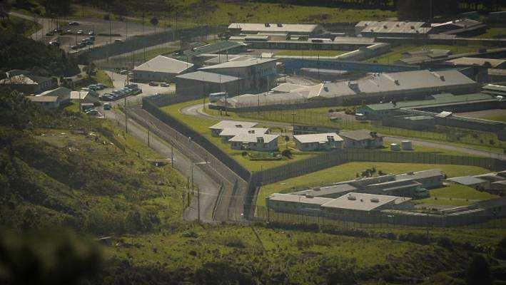 新西兰的犯人太多,连全国最大的监狱也装不下了…