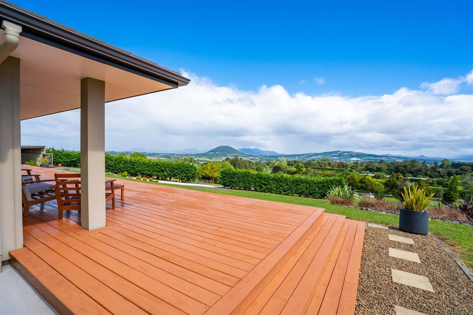 Maungatapere 4房 Elevated Family Home with World Class Views