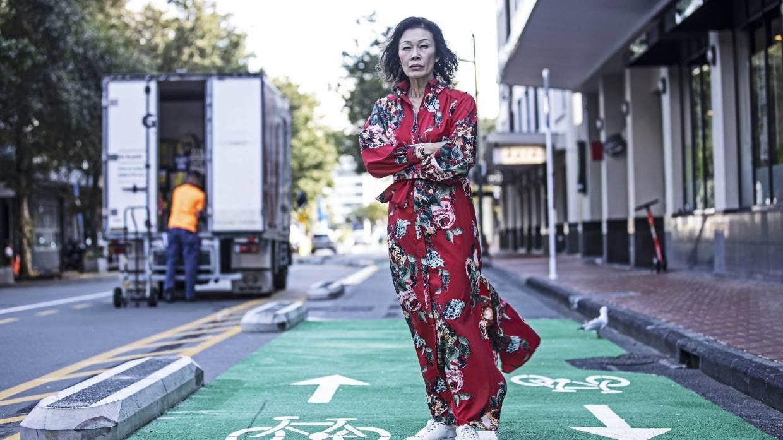 市中心建自行车道 这位华裔女子带头反对