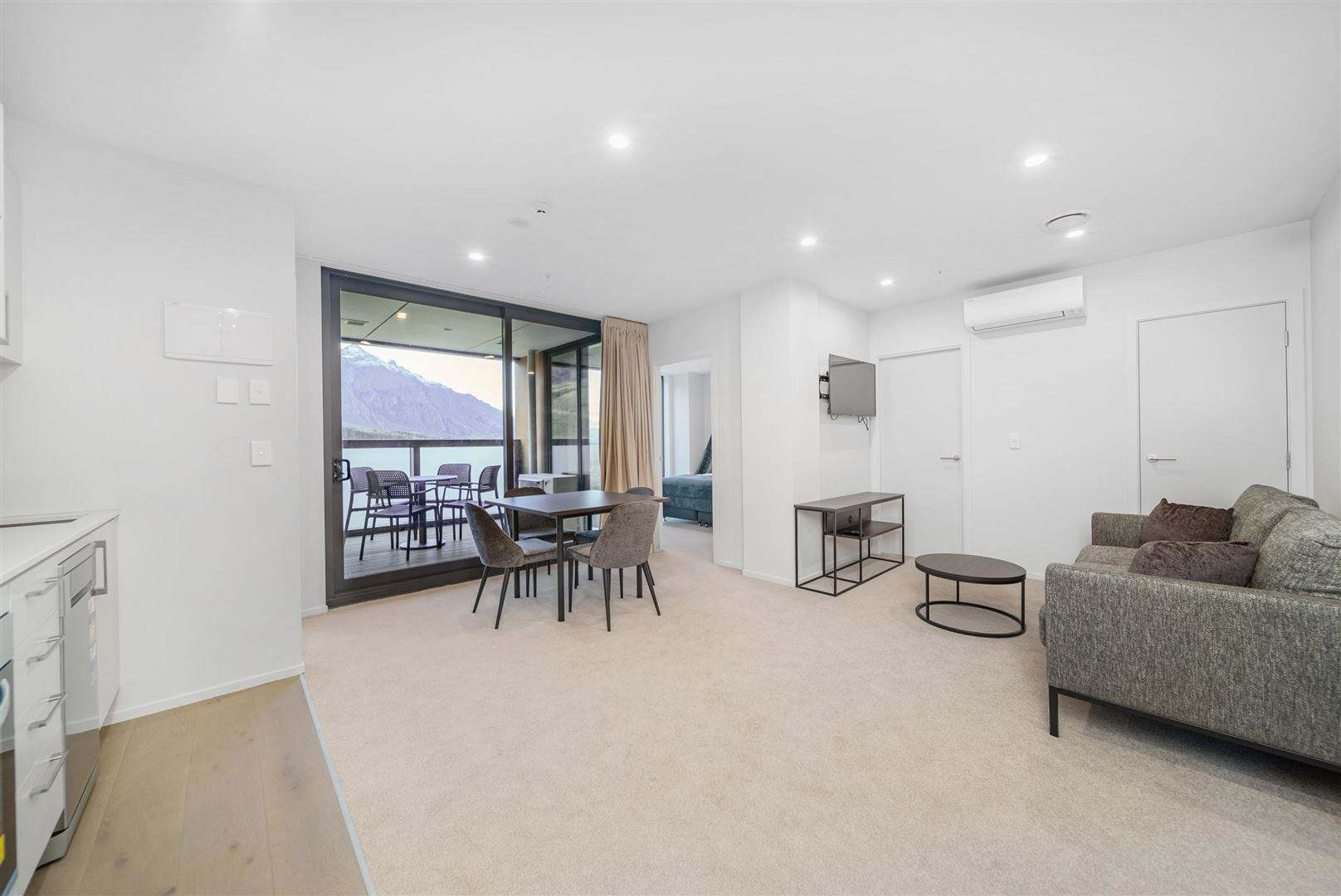 Frankton 2房 Remarkable Views & Remarkably Priced at $709,000!