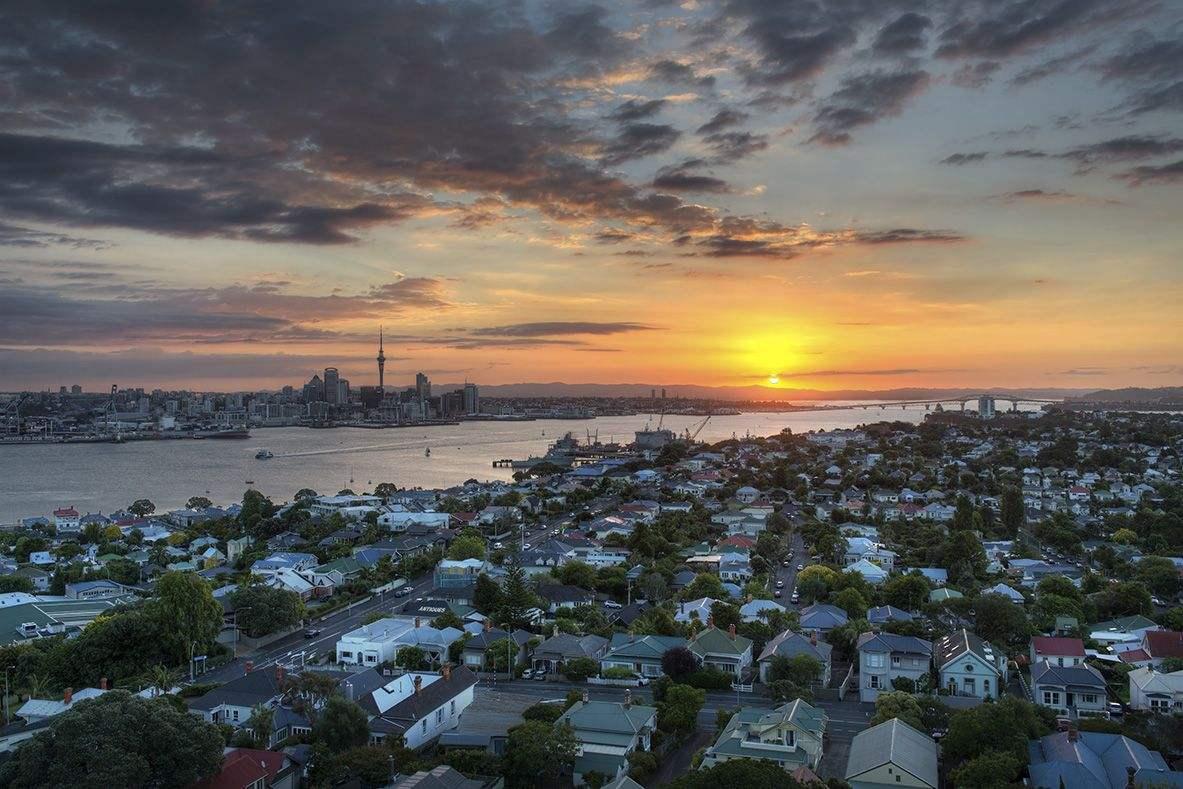 今天,新西兰释放出4个关键信号,形势正在发生重大变化!