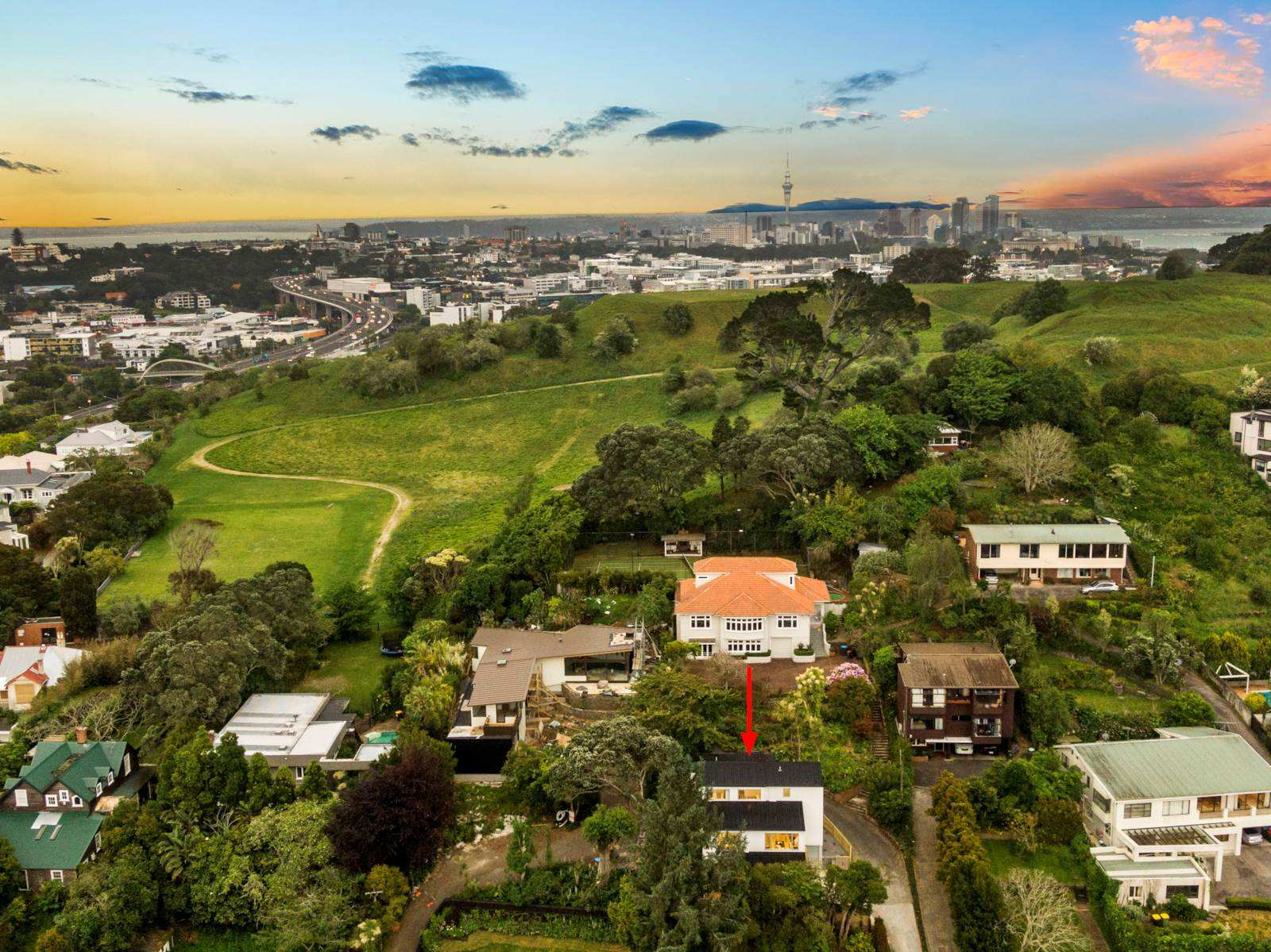 Remuera 4房 双校网全新奢居 享无敌视野 灵动舒阔格局 轻松上高速 静候慧眼买家! Huge GZ House, Panoramic Views