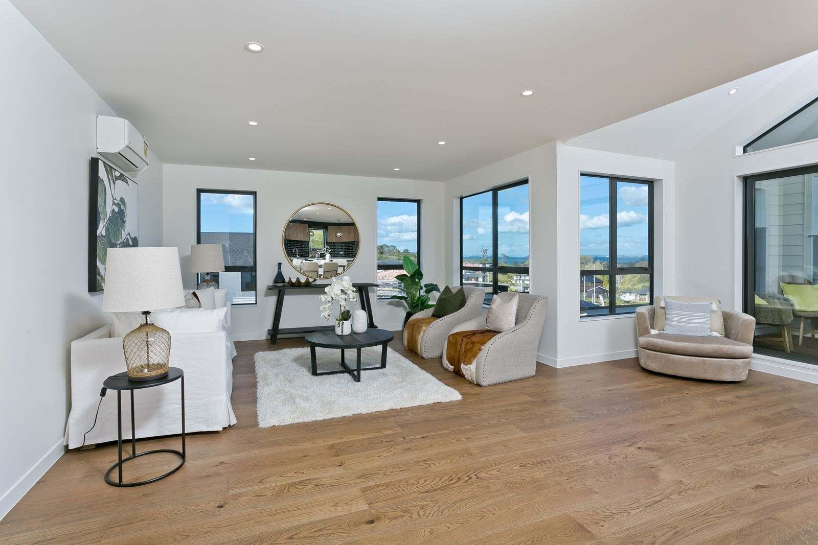 Long Bay 5房 全新两层家庭靓宅 采光一流 配套设施一应俱全 繁华商圈&海滩近距离 优质校网加持 享受惬意生活 Brand New - Executive Living Plus Views