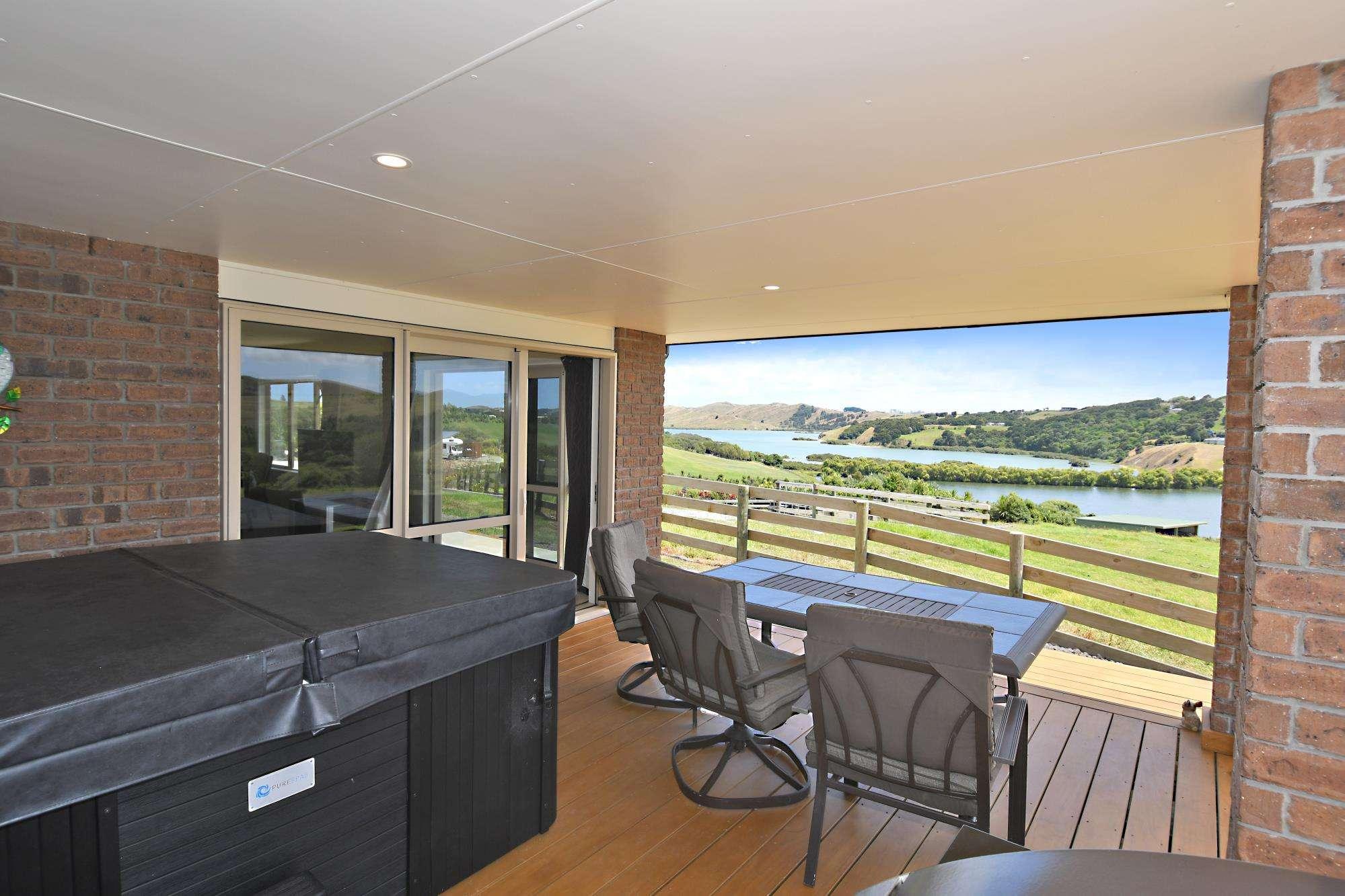 Kaiwaka 4房 Exceptional  Lifestyle With Lake & Harbour Views