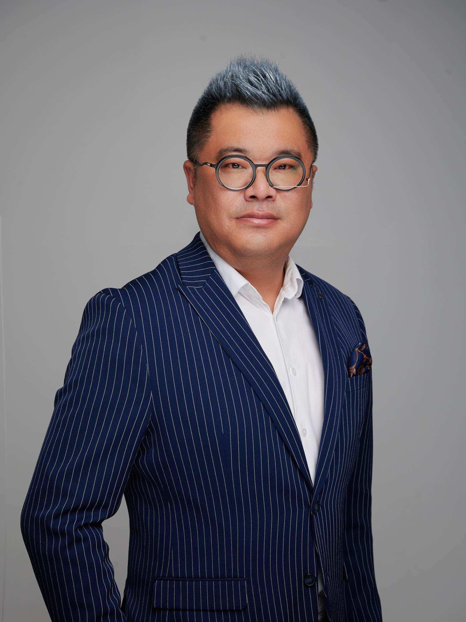 Miro Wang