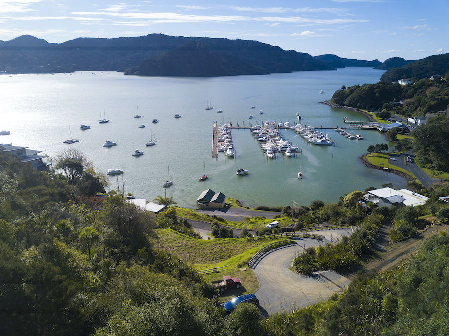 Whangaroa BOAT LOVER'S DREAM LOCATION