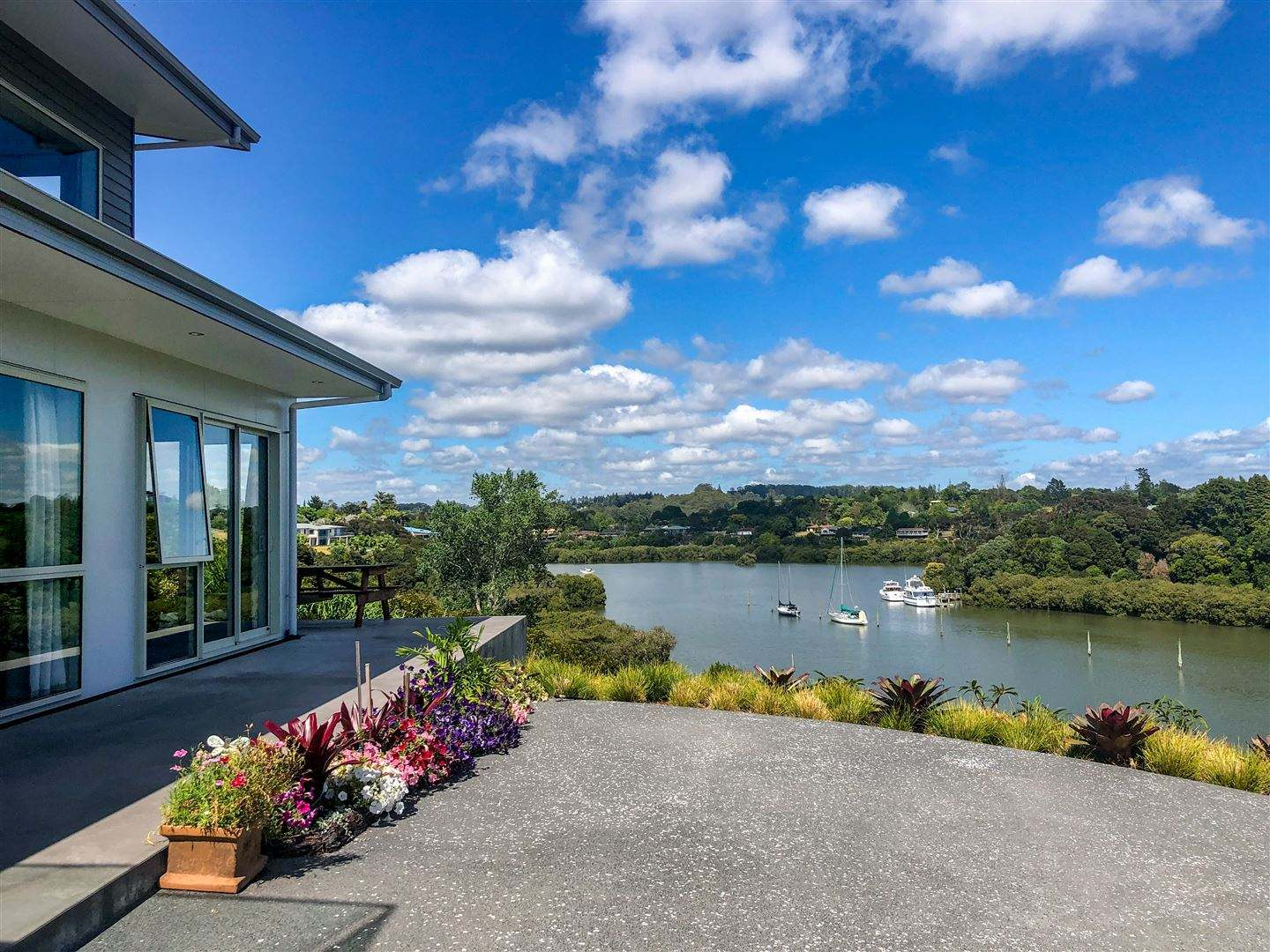 Kerikeri 4房 Water Views from a Quality Executive Home