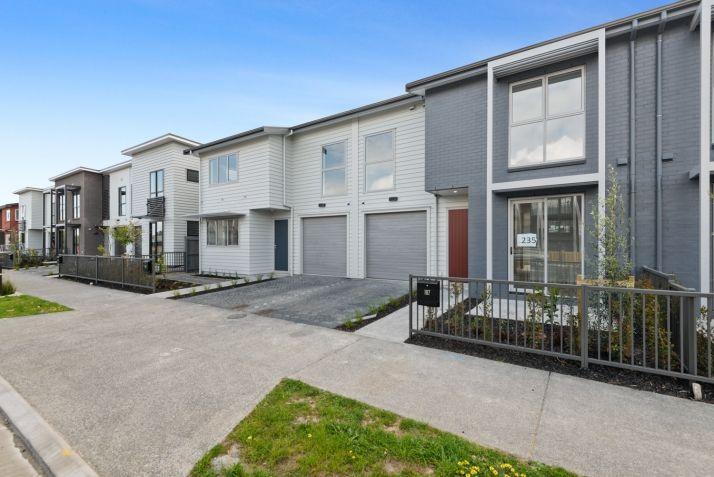 Whenuapai 4房 新西兰百年开发商匠造 全新精品联排别墅 片刻至CBD&北岸 致敬品质生活! Totara Road, Whenuapai – brand new 4-bedroom homes, ready now!