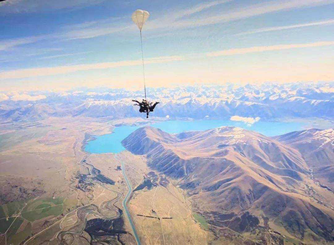 激动人心!新西兰高空跳伞又多一重磅体验地点:库克山跳伞来了!