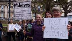 不满薪资待遇,1000多名助产士开启了长达两周的罢工运动